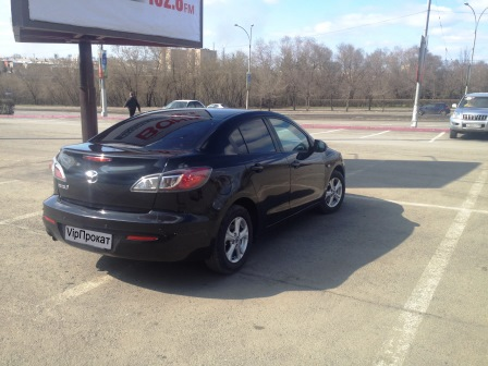 MAZDA 3 - компактный автомобиль, производимый Mazda Motor Corporation в Японии. На родине производителя он называется Mazda Axela. Mazda 3 была представлена в2004 году, как серия, пришедшая на смену Mazda Familia (Mazda 323 или Protegé — экспортные названия).