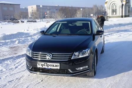 VOLKSWAGEN PASSAT - среднеразмерный автомобиль компании Volkswagen. Производится с 1973 года. В настоящее время автомобиль выпускают на заводах Volkswagen в Эмдене, Цвиккау (Германия) и других заводах.