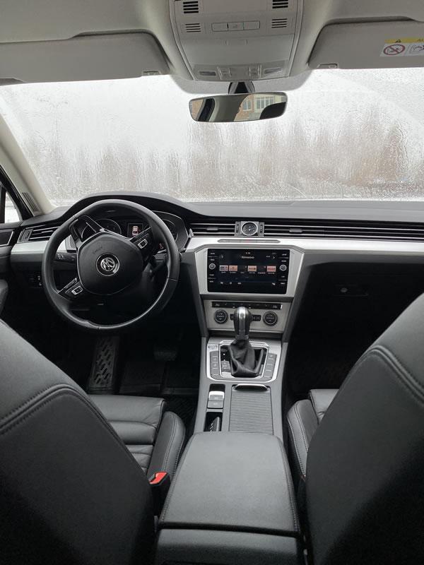 Volkswagen Passat  B8 — четырёхдверный седан-купе, сконструированный на базе VW Passat B6 (Typ 3C), выпускался с2008 по 2016 г. на заводе концерна Volkswagen в городе Эмден.