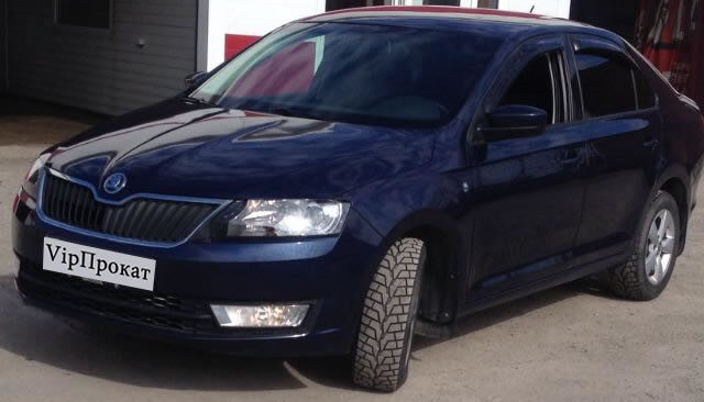 Škoda Rapid — пятидверный лифтбэк Гольф-класса производства Škoda Auto. Впервые, как концепт-кар MissionL, был представлен на Франкфуртском автосалоне-2011.