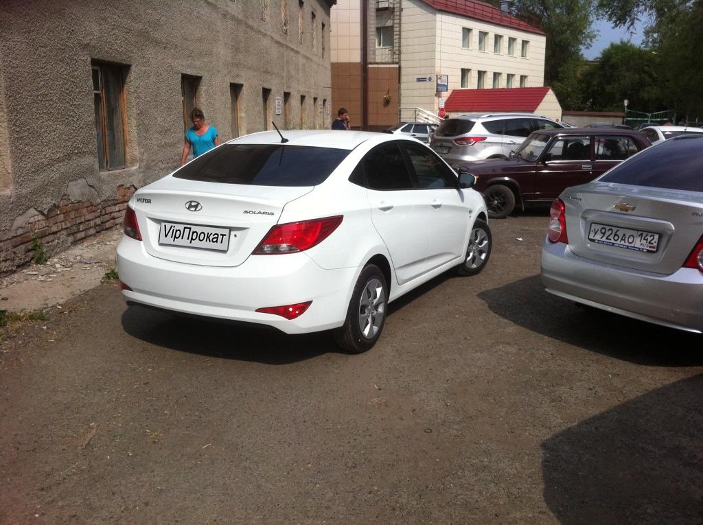 Hyundai Solaris — субкомпактный автомобиль южнокорейской компании Hyundai Motors. Автомобиль представляет собой локальную версию автомобиля Hyundai Accent, адаптированную для эксплуатации в российских условиях.