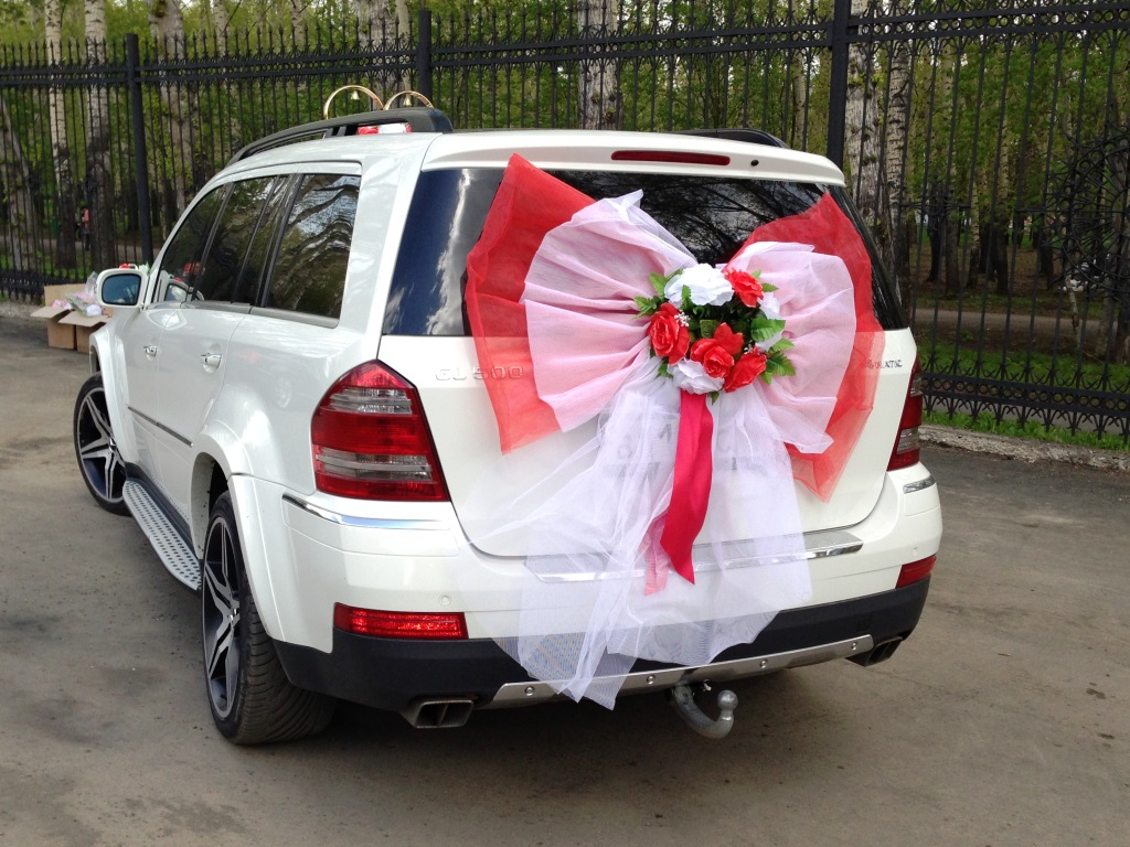 Украшения на свадебную машину на прокат